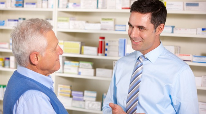 pharmacist-with-customer-672x372